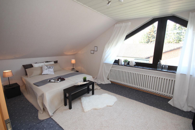 für eine große oder zwei kleine familien/ zweifamilienhaus in bi ... - Modernes Schlafzimmer Design Fur Grose Familien