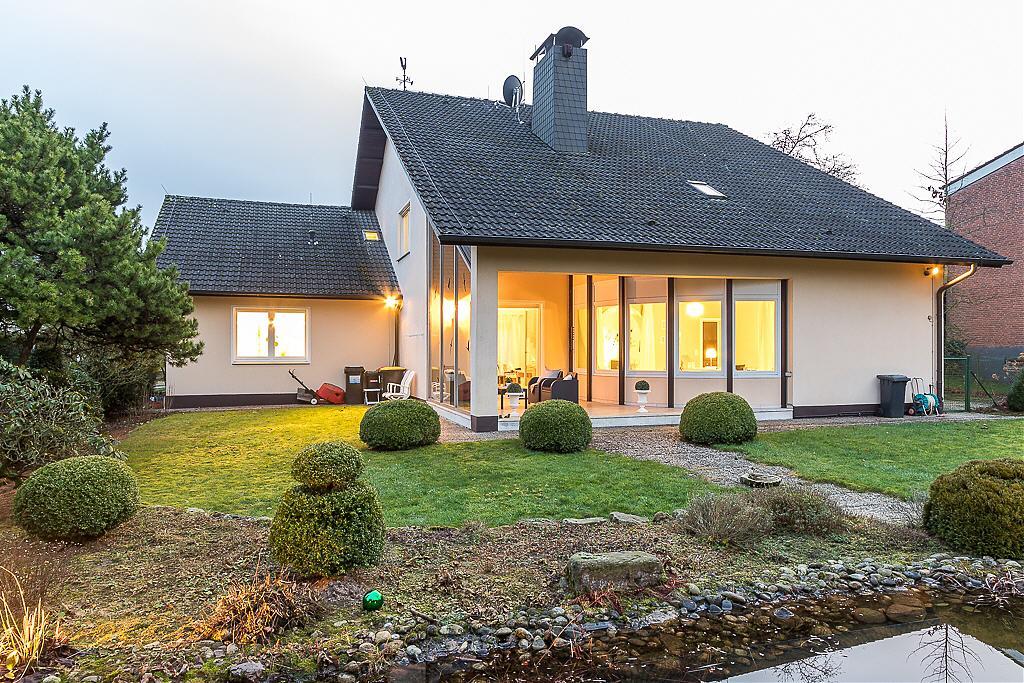 Toplage in Bielefeld-Hoberge / Großzügiges Einfamilienhaus mit ...