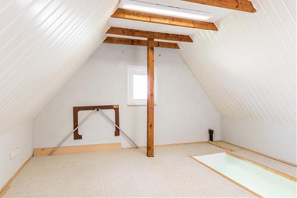 Dachboden 4