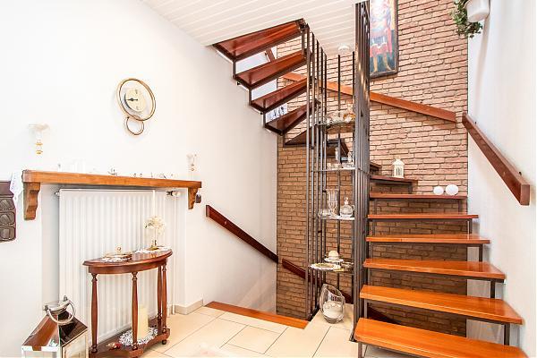 EG Treppenhaus 2